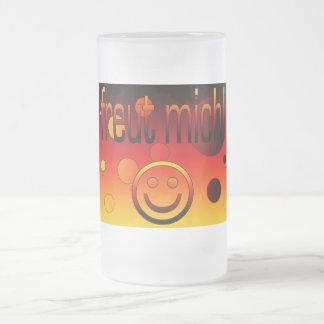 ¡Freut Mich! La bandera alemana colorea arte pop Jarra De Cerveza Esmerilada