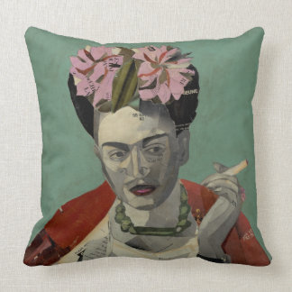 Frida Kahlo de García Villegas Cojín