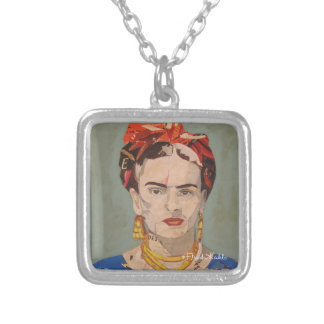 Frida Kahlo en Coyoacán Portrait Silver Plated Necklace