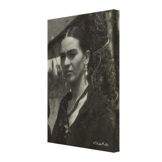 Frida Kahlo en negro Impresión En Lienzo Estirada