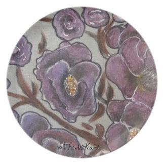 Frida Kahlo pintó las flores Platos