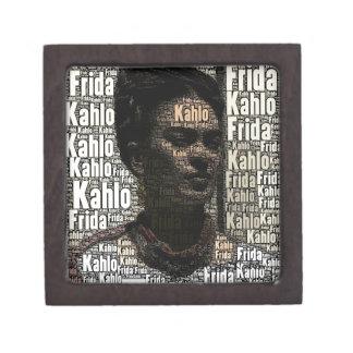 Frida Kahlo que pone letras al retrato Cajas De Recuerdo De Calidad