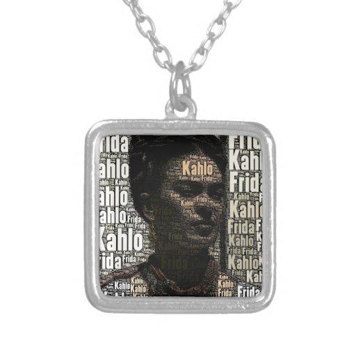 Frida Kahlo que pone letras al retrato Collar