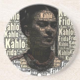 Frida Kahlo que pone letras al retrato Posavasos Personalizados