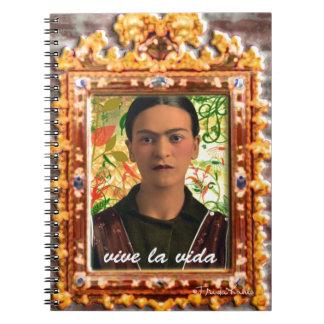 Frida Kahlo Reflejando Libros De Apuntes Con Espiral