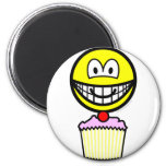 Cup cake smile eating   fridge_magents_magnet