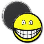 Tiny eyed smile   fridge_magents_magnet