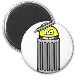 Trash can smile   fridge_magents_magnet