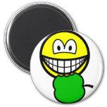 Apple eating smile   fridge_magents_magnet