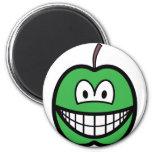 Apple smile   fridge_magents_magnet