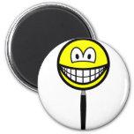 Magnifying glass smile   fridge_magents_magnet