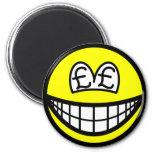 Pound eyed smile   fridge_magents_magnet