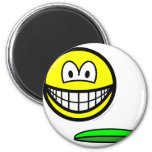 Frisbeeing smile   fridge_magents_magnet