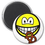Pretzel eating smile   fridge_magents_magnet