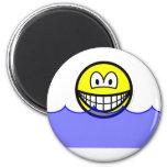 Floating smile   fridge_magents_magnet