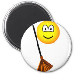 Sweeping emoticon   fridge_magents_magnet