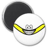Boomerang smile   fridge_magents_magnet