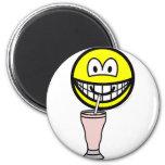 Milkshake smile   fridge_magents_magnet