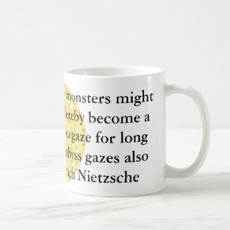 Friedrich Nietzsche - cita profunda Taza