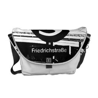Friedrichstrasse_01.01.2_G_illu, S-Bahn, BERLIN Messenger Bag