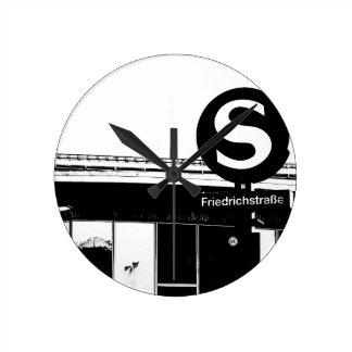 Friedrichstrasse_01.01.2_G_illu, S-Bahn, BERLIN Round Clock