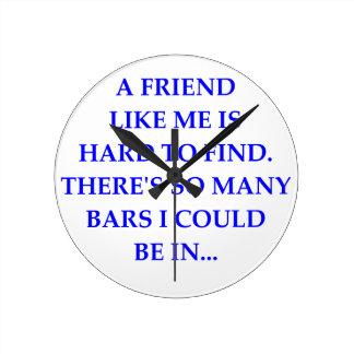 FRIEND ROUND CLOCK