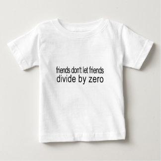 friends_divide por cero playera para bebé