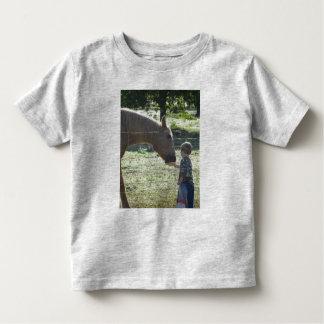 Friends/Little Boy Feeding Horse Toddler T-shirt