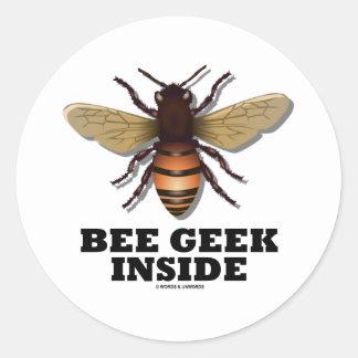 Friki de la abeja dentro pegatinas redondas