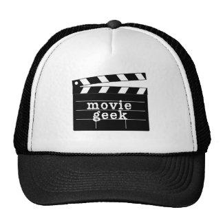 Friki de la película con la tablilla gorras