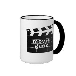 Friki de la película con la tablilla taza de dos colores