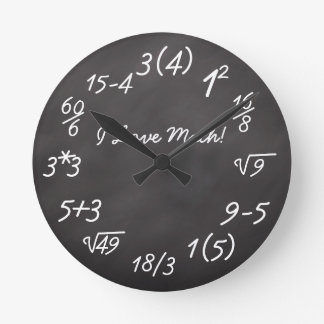 Friki divertido de la matemáticas reloj redondo mediano