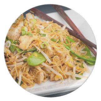 Fritada tailandesa del Stir de los tallarines de L Platos