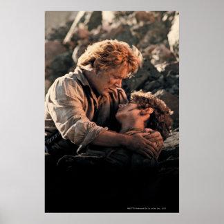 FRODO™ en los brazos de Samwise Poster