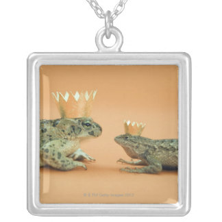 Frog and lizard wearing crowns square pendant necklace