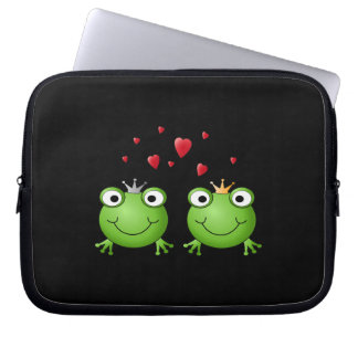 Frog Couple with hearts. Computer Sleeve