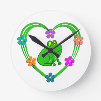 Frog Heart Round Clock