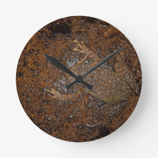 frog on moss embossed look round clock
