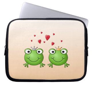 Frog Prince and Frog Princess, with hearts. Computer Sleeve