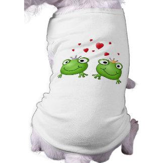 Frog Prince and Frog Princess, with hearts. Tee
