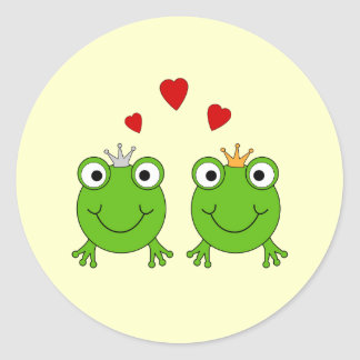 Frog Princess and Frog Prince, with hearts. Classic Round Sticker