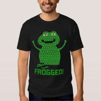 ¡Frogged! Rana del ganchillo del vector Playeras