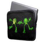 Froggy verde lindo fundas computadoras