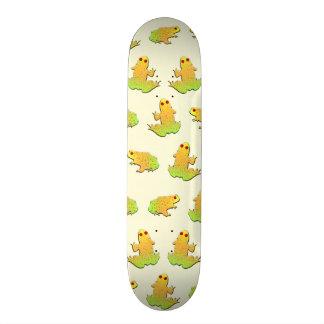 Frogs pattern skateboard deck