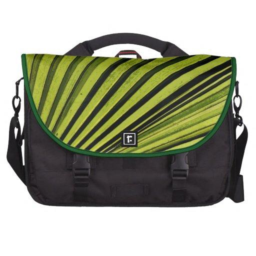 Fronda verde de la palma bolsas de portátil