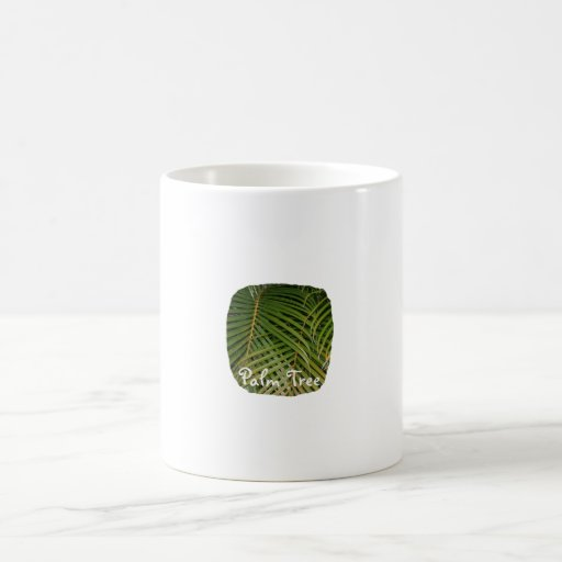 Frondas de la palma con el texto blanco de la palm tazas de café
