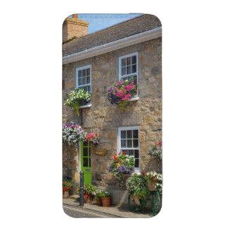 Front entrance to Smugglers Bed and Breakfast iPhone SE/5/5s/5c Pouch