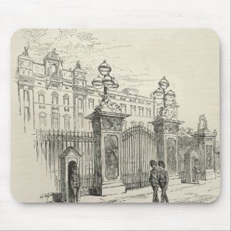 Front view of Buckingham Palace Mouse Pad
