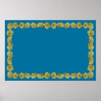 Frontera amarilla del clavel en fondo azul poster