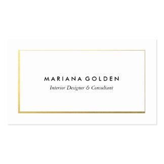 Frontera del oro en la plantilla blanca de la tarjetas de visita